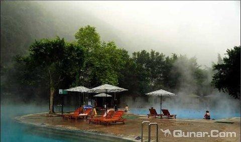 0好评: 0条差评: 2条 评论 重庆渝北区统景温泉风景区左大门上行800米
