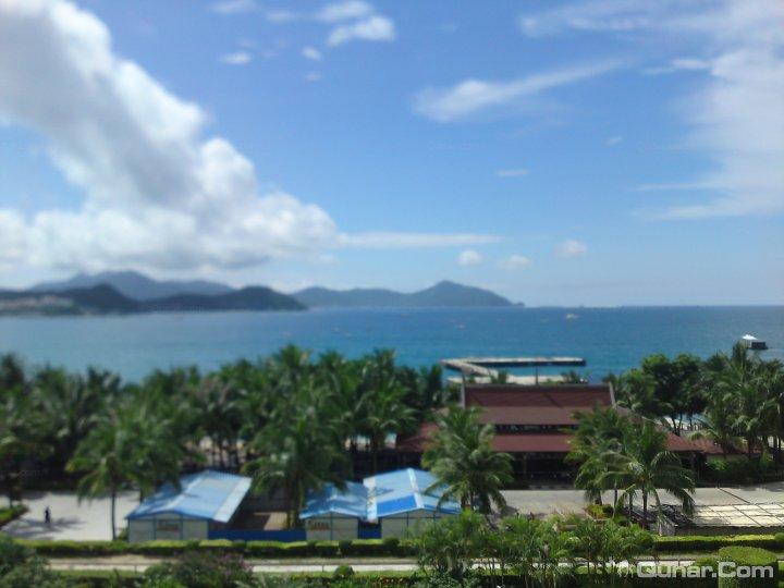 酒店位于风景旖旎的大东海旅游风景区.