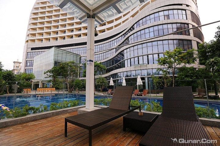 凤凰岛度假酒店logo