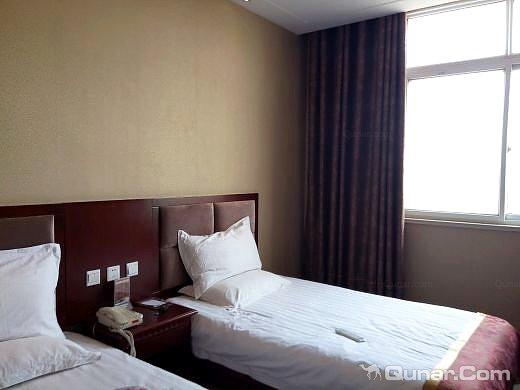 南阳龙湾温泉假日酒店