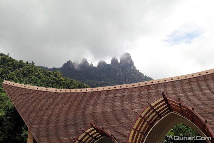 七仙岭森林公园大门大概10分钟车程的海南保亭七仙岭中南温泉度假酒店