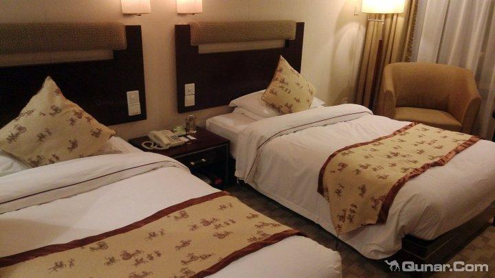 男女开房图片_约朋友去宾馆二人和别人的妻子- 问 _汇潮装饰网